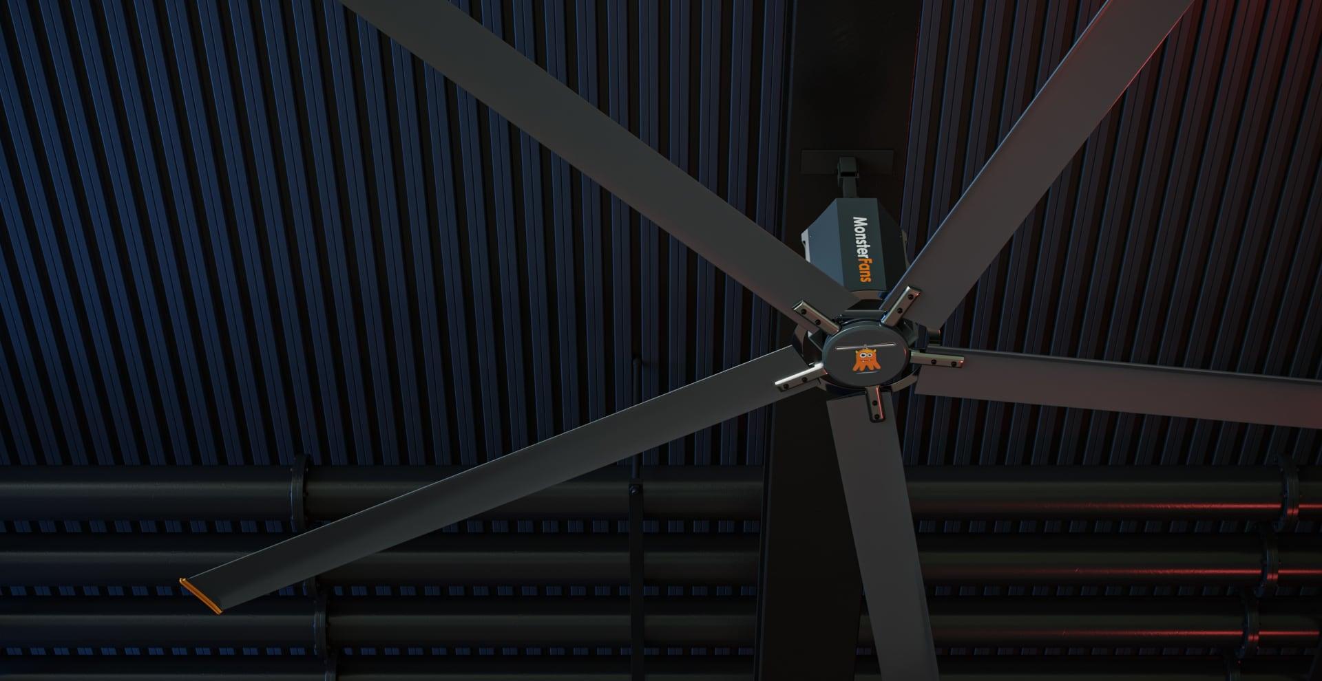 Ein Großventilator an einer Hallendecke. MonsterFans